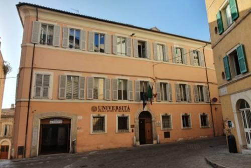 Università di Macerata, oltre 80 borse di studio per il nuovo anno accademico contro la crisi da Covid