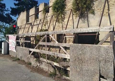 Sappanico, M5S: «Vincolo storico sulle macerie non è scritto in nessun documento»