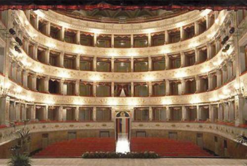 Fabriano: sul palcoscenico del Teatro Gentile illusionismo e tante acrobazie