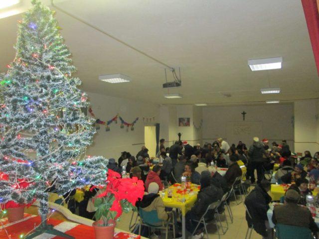 Il pranzo di Natale per i poveri a San Cosma