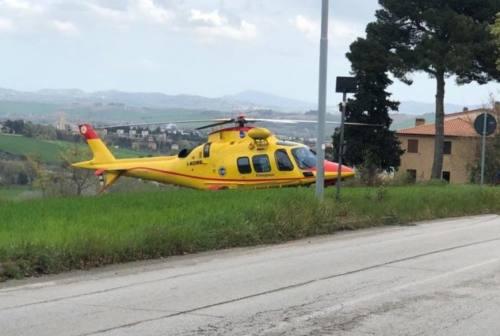 Osimo, schianto davanti al Buttari: centauro all'ospedale dopo l'incidente