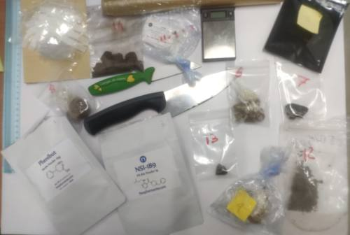 Camerino, metanfetamine e hashish in casa: arrestato un 18enne