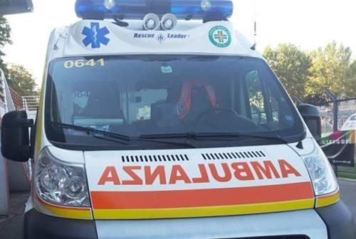 Urbino, trovato senza vita nel bagno del centro commerciale: sospetta overdose