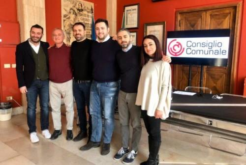 Altissima presenza tra i consiglieri comunali a Pesaro, ma non tutti votano