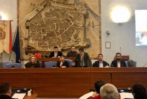 Pesaro, approvato il bilancio. Non aumentano le tasse, ora recupero evasione