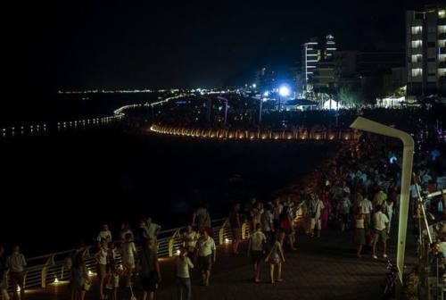Notte delle candele, fiammelle da Gabicce a Fosso Sejore. Ricci: «Nel segno della sicurezza»