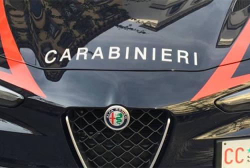 Tolentino, solo in casa senza cibo e soldi per la spesa: soccorso dai carabinieri
