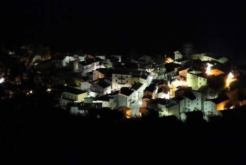 A Castelletta di Fabriano con il teatro del Bagatto e gli occhi alle stelle