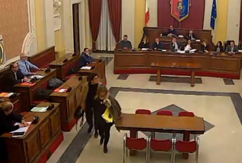 Consigliere o consigliera? Dibattito acceso a Senigallia, M5S lascia l'aula