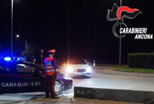 Montemarciano, al volante ubriaca finisce fuori strada: 43enne denunciata e multata
