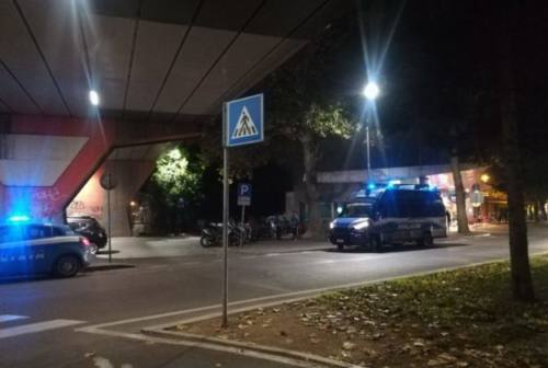 Apprezzamenti non graditi: 35enne picchiato finisce in carcere a Pesaro