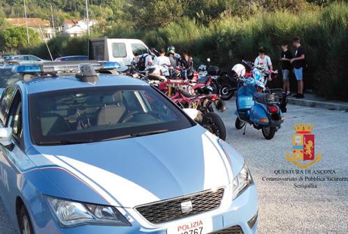 Corse in moto e manovre spericolate: fermati 40 giovani a Senigallia