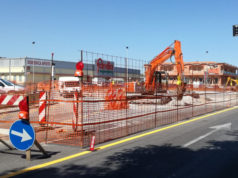 I lavori alla rotatoria sulla statale 16 Adriatica, all'ingresso nord di Marina di Montemarciano, nei pressi del Famila