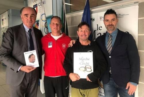Il campione paralimpico Manzini in visita al Coni Marche