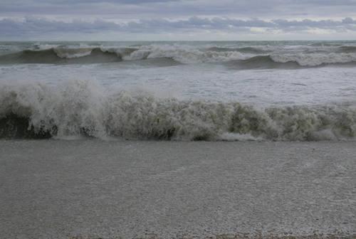San Benedetto, morta per annegamento la 17enne ritrovata senza vita in mare