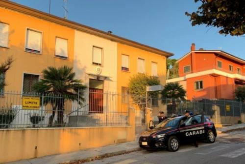Mondolfo, i carabinieri lo fermano mentre getta la cocaina nel water