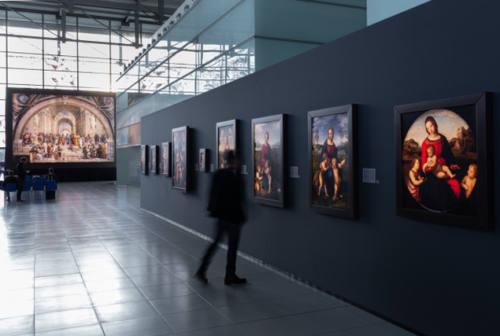 """Falconara, all'aeroporto """"Sanzio"""" 45 riproduzioni dei dipinti di Raffaello"""