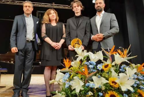 San Benedetto del Tronto, vince il premio La Palma d'oro il pianista Marcin Wieczorek