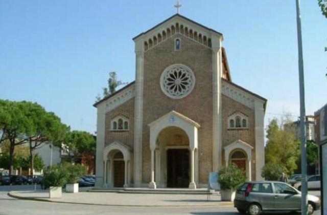 La chiesa di santa Maria della neve, a Senigallia, meglio nota come chiesa del Portone