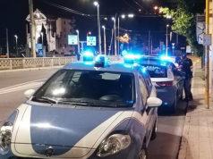 Le pattuglie della polizia di Ancona impegnate nei controlli serali nel quartiere Archi