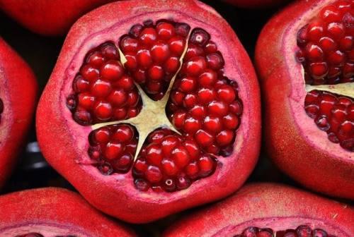 """Il melograno: il """"super-food"""" secondo l'esperta"""