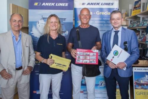 Vacanza premio in Grecia, Gianluca e sua moglie salpano grazie a Conerobus