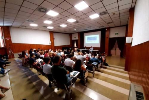 Dossier Caritas Marche: diminuiscono gli stranieri nei centri di ascolto. Al via la campagna #ioaccolgo