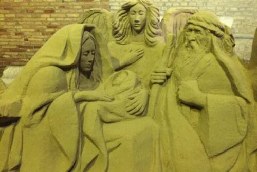 Senigallia, danneggiato il presepe di sabbia di Porta Lambertina