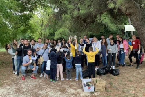 """""""PuliAMO il Cardeto"""": sessanta giovani puliscono il parco (FOTO)"""