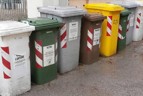 Rifiuti, Verdi: «Raccolta porta a porta in tutte le frazioni di Ancona»