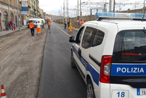 Tubatura del gas rotta in via Flaminia: strada riaperta al traffico, rientrate le 50 persone evacuate