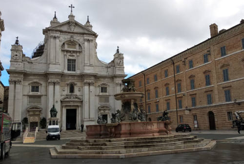 Covid, Loreto proroga la chiusura delle aree pubbliche. Maxi controlli a Osimo