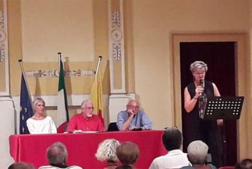 """Recanati: Scarabicchi a """"Un poeta sul colle"""". Aspettando Mattarella"""
