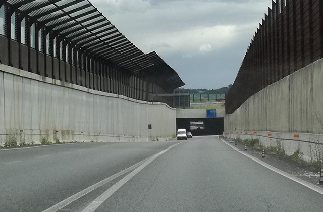 Senigallia, complanare (bretella nord): la galleria di Borgo Coltellone