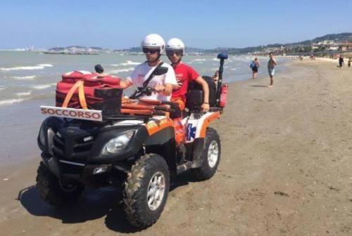 Caricchio: «Soccorso in spiaggia inadeguato». Comune: «Impegno economico più che raddoppiato»