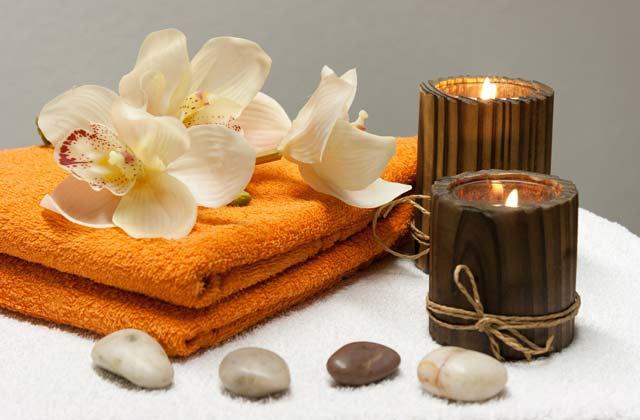 home spa, candele, asciugamani