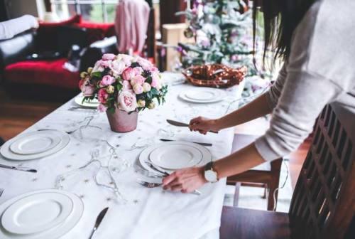 Tutti a tavola: come apparecchiare per il pranzo di Natale