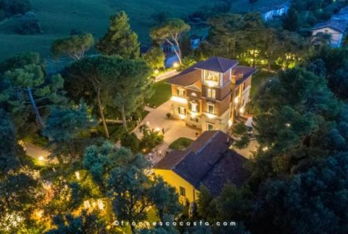 """Filottrano, a Villa Gentiloni la """"cena di Natale"""" dello stilista Luca Paolorossi per Telethon"""