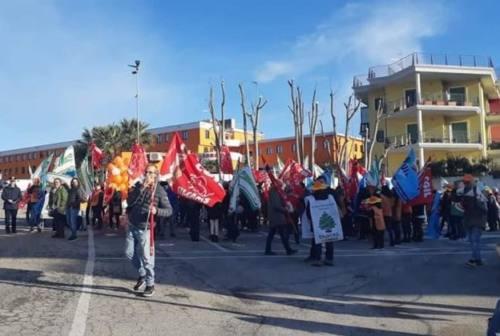 Auchan-Conad, i lavoratori in sciopero. A Monsampolo l'incontro con Baroni