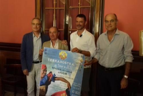 Terranostra: ad Apiro, con passaggio a Jesi, folclore da tutto il mondo