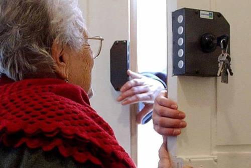 Truffe, la Polizia locale di Senigallia incontra gli anziani: consigli contro i raggiri