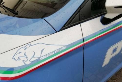 Vendevano auto con contachilometri modificati, denunciati tre truffatori a Senigallia