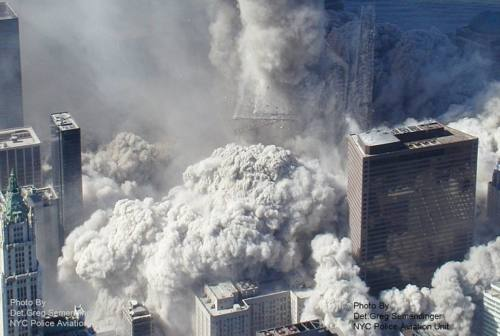 11 settembre, è la terza torre crollata il vero complotto? Il mistero del WTC7