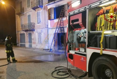 Casa in fiamme a Monte San Vito, paura per una famiglia