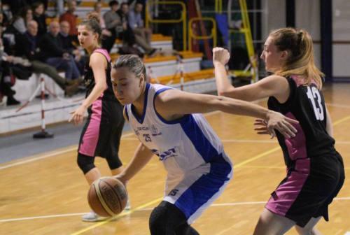 Basket, la Thunder Halley Matelica Fabriano scivola in trasferta. Coach Rapanotti: «Le ragazze reagiranno subito»