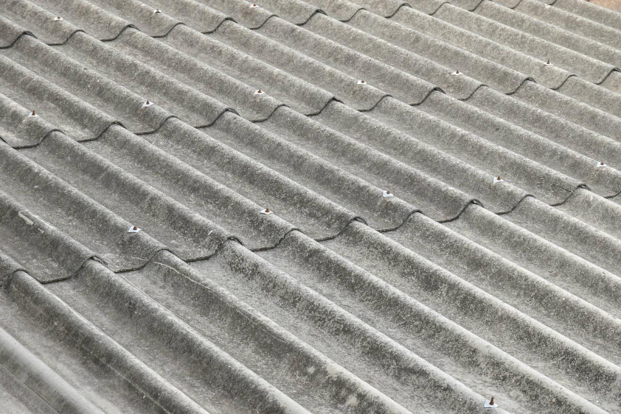 Lastre di amianto, cemento amianto, asbestosi, tumore, bonifica