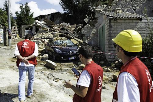 """Assistenza socio-sanitaria alle popolazioni colpite dal terremoto con il """"Progetto Sisma"""" di Emergency"""