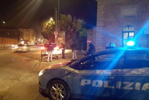 Fano, ladri seriali inseguiti dalla Polizia ed arrestati: rinvenuta merce per 15mila euro