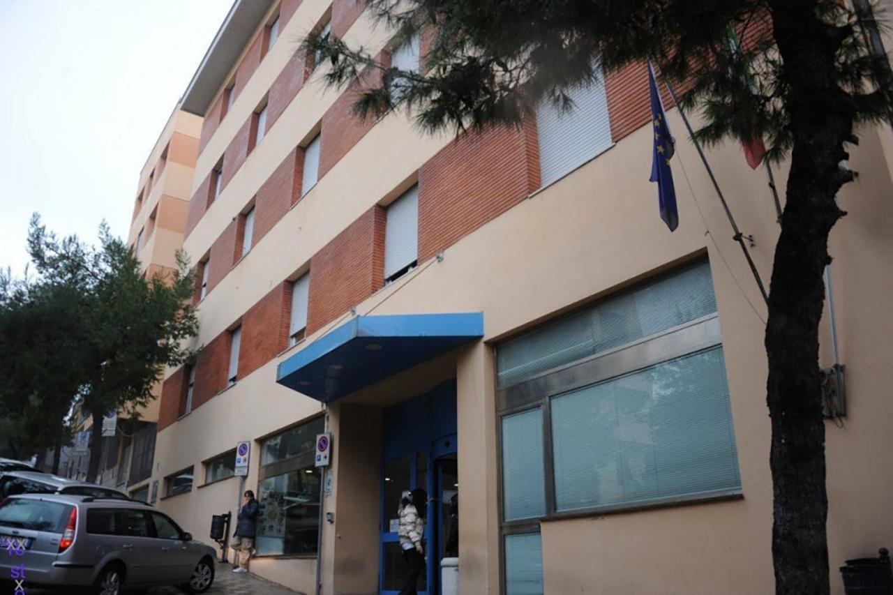 L'ingresso dell'ospedale materno infantile Salesi