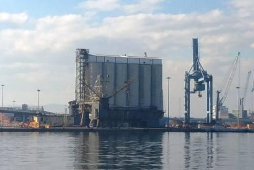 Abbattimento silos, Rubini (AIC): «Liberare il porto antico dal traffico merci e passeggeri»